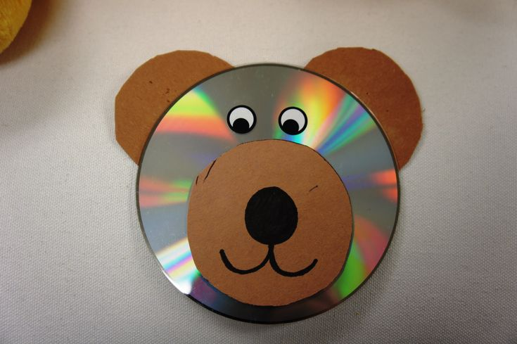 Toddlers can make animals out of CD's