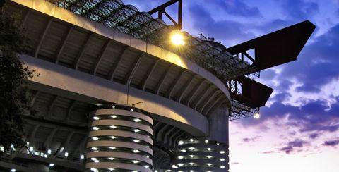 Besuchen Sie eine spannende Serie A Partie Ihres Lieblingsvereins. Namhafte Clubs wie Juventus Turin im neuen Juventus Stadium, der AC Mailand & Inter Mailand im legendären Giuseppe-Meazza-Stadion (San Siro), der AS Rom & Lazio Rom mit Miroslav Klose bieten Spitzenfussball der Extraklasse. Die in unseren Reisen inkludierten Serie A Tickets versprechen beste Plätze in den imposanten Stadien und sorgen somit für ein unvergessliches Live-Erlebnis. #sportreisen #fussballreisen #seriea…