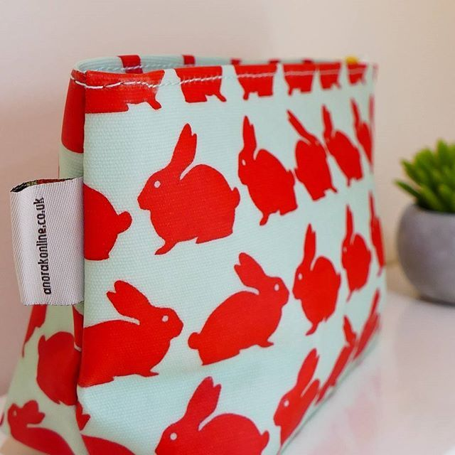 Up close and personal with our newest online item ... the Kissing Rabbits Cosmetic Bag.  This baby comes in Medium and Extra Large too! LOVE these little guys xx    #anorakonline #getoutside #homewares #homedecor #decorhome #urbaanihomewares #mothersdaygifts #giftideasforher #giftideas #kissingrabbits #cosmeticbag #welovemum