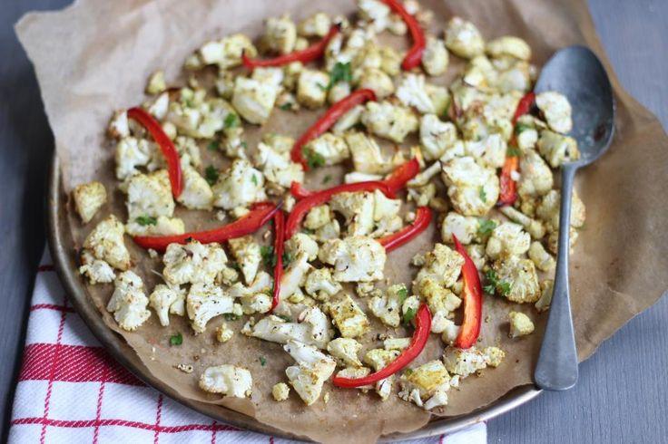 Op zoek naar een lekker recept met bloemkool? Maak dan deze geroosterde bloemkool uit de oven met kruiden!
