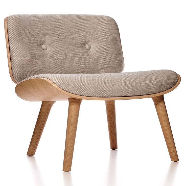 Nut fauteuil met white washed onderstel | Moooi.  (b) 68 x (d) 48 x (h) 69 cm