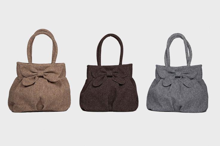 """Borsa Feltro """"Elena"""" disponibile in blu, petrolio, nero, beige,marrone e grigio."""
