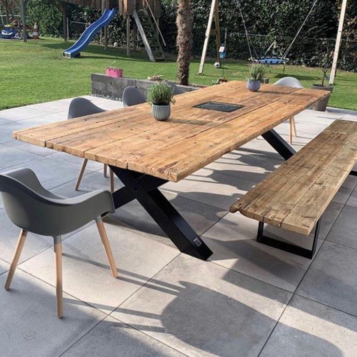 Gartentisch aus recycelten Gerüstbrettern // Massivholztische