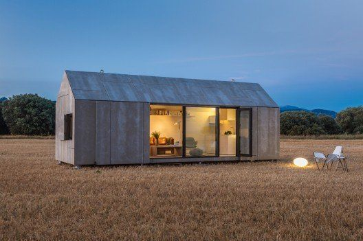 Made In Spain A Super Cool Pre Fab House Sustainablearchitecture Modern Prefab Homes Prefab Cabins Portable House