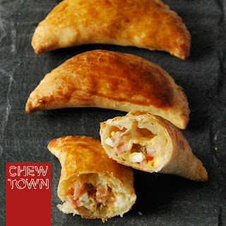 ham and olive empanadas: Chewing Town, Hams, Cooking Ideas, Olives Empanadas, Tapas Parties, Food Blog, Haloumi Fritters, Chewtown Food, Favorite Recipes