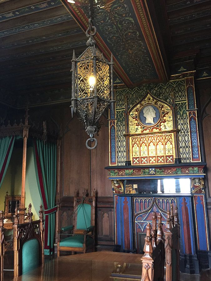 Chambre de Monseigneur, Château de Brézé / http://www.omonchateau.com
