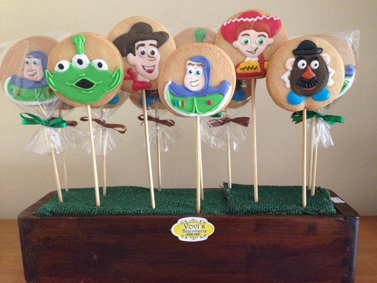 Biscoitos Toy Story Biscoito princesa Sophia by Vovi's Biscoiteria 51 35882457 ou pedidosvovis@gmail.com
