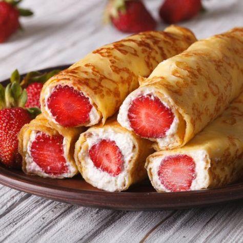 Aprende a preparar crepas de fresa con queso crema con esta rica y fácil receta. A todos nos gustan las crepas dulces y en RecetasGratis.net te damos ideas para...