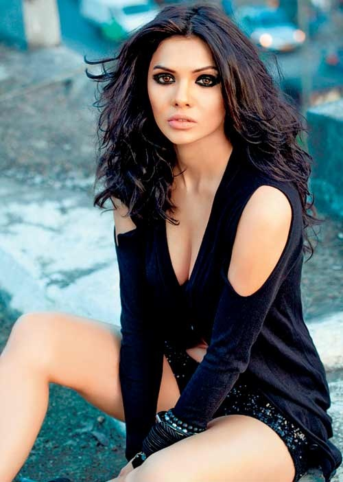 Sara Loren Body Measurements