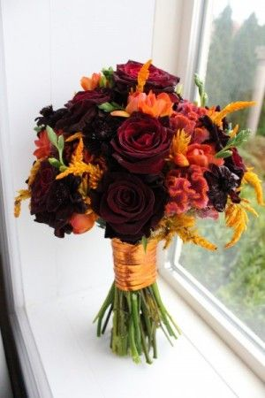 Red and Orange Wedding Bouquets | Photo Gallery - Photo Of Beautiful Deep Red & Orange Bridal Bouquet