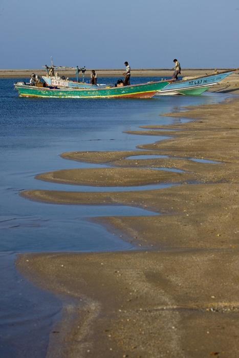 Yemeni Fishermen in Godoria | Djibouti (by Eric Lafforgue)