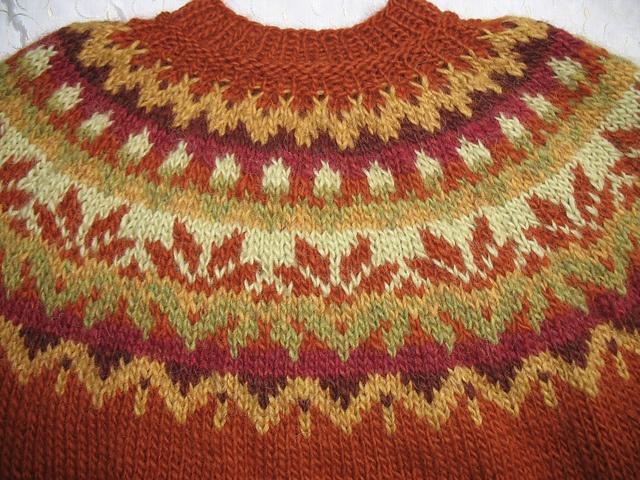 Ravelry: wwwera's Afmæli Rust Orange using Afmæli - 20-year anniversary sweater by Védís Jónsdóttir.