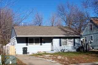 226 W Southside Boulevard, Independence, MO 64055  Great Fixer Upper in the Independence School District. Tons of floor space, fireplace and a fenced in back yard. This has room for 2 more bedrooms in the basement! Bring your offers! Listing provided courtesy of: RE/MAX Premier Properties