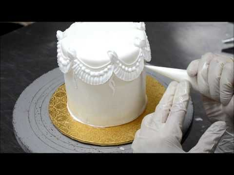 25 best images about buttercream borders on Pinterest ...