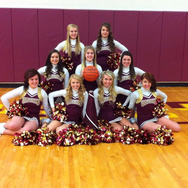 𝐚𝐩𝐩𝐥𝐞 𝐫𝐚𝐲𝐬 | Cheer picture poses, Cheer pictures