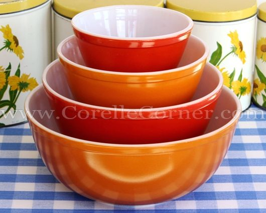 Pyrex 400-series bowl set, solid red & orange