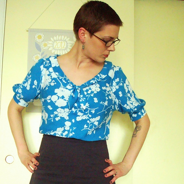 Colette Patterns Jasmine blouse in teal cotton lawn.