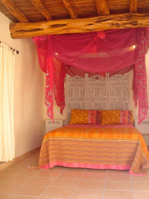 333 best images about indian rooms on pinterest for Funky bedroom designs