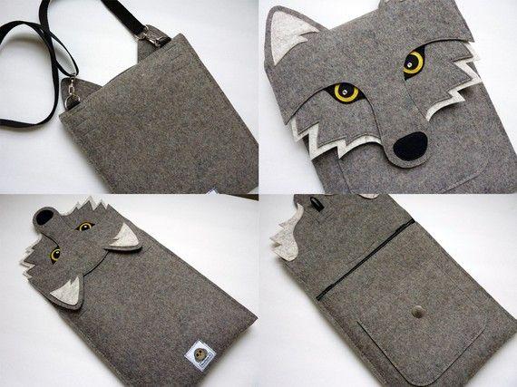 Wolf iPad Air / 2 / 3 / 4 felt sleeve by BoutiqueID on Etsy
