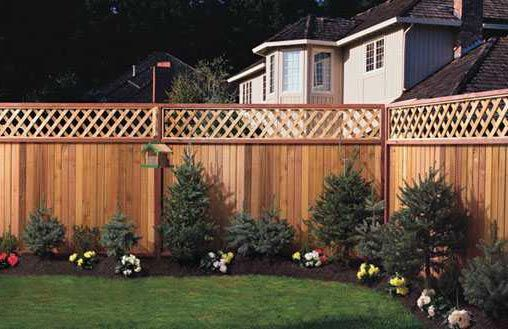 Wood Fence - Privacy Fence w/ Lattice. If our new community allowed a fence, this would be it!