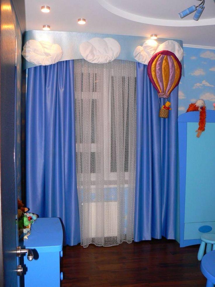 Яркие шторы в детской комнате мальчика 3-7 лет