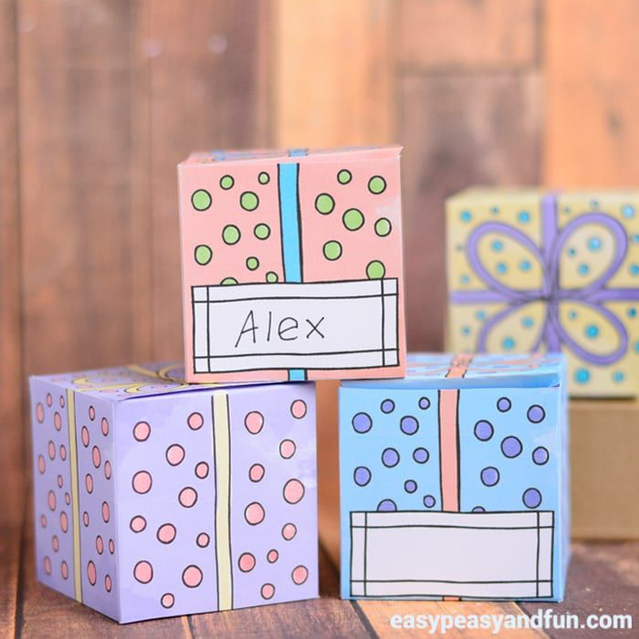 Want to pack your little gift into a cute box? Or need many gift boxes with name tags on them? These printable gift boxes are perfect then! There are two different designs waiting for you, one with a spot to write the name (perfect for teachers wanting to surprise their students) and one without. Both …