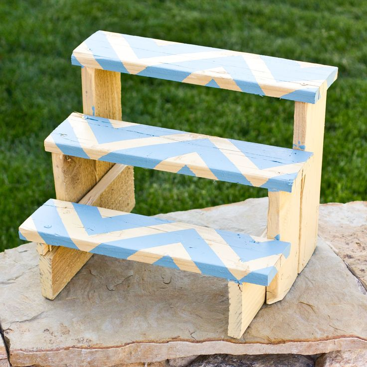 Make a Cute Little Plant Riser Final with Yellow Blue Chevron for as little as $5!! DIY instructions here