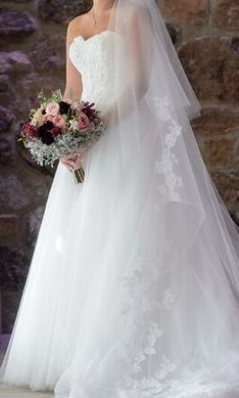Used Pronovias Taya Wedding Dress $1,000 USD.  Buy it PreOwned now and save on the salon price!