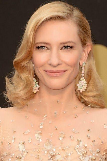 Cate Blanchett  http://cuchurutu.blogspot.com.es/2014/03/accesorios-maquillajes-y-peinados-en.html