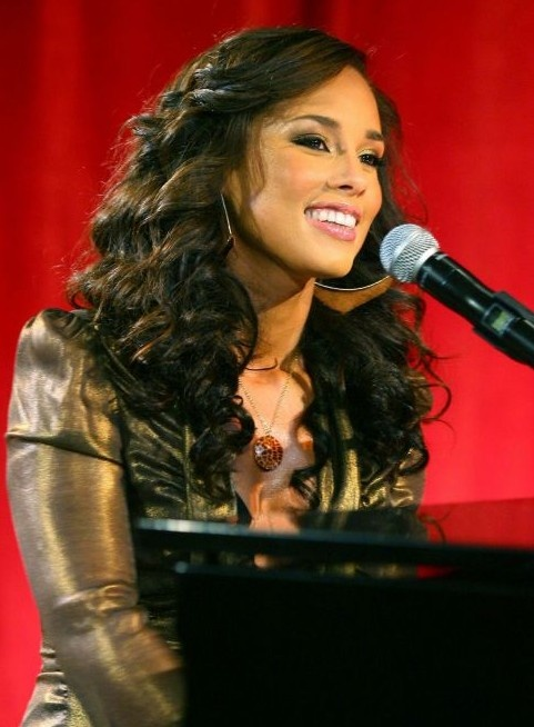 Alicia Keys.....an inspiration to women everywhere(young & seasoned) to use our God given gifts....