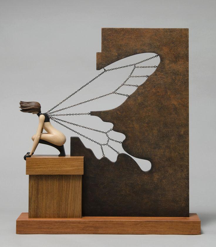 John Morris – Butterfly Effect – sculptures Wood 42 x 10 cm x 48 cm