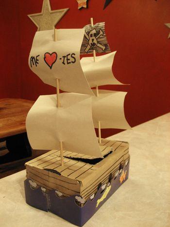 Pirate Ship Valentine's boxPirates Ships, Pirate Ships, Ships Valentine, Valentine Cards, Cards Boxes, Homemade Valentines, Valentine Boxes, Card Boxes, Homemade Gift