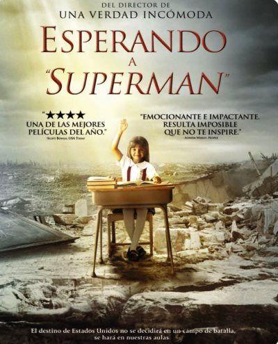 """""""Esperando a """"Superman"""" es un documental que muestra una extraordinaria e inspiradora mirada al sistema de la educación pública en los Estados Unidos. Ha ayudado al lanzamiento de un movimiento para lograr un cambio auténtico y perdurable a través de las convincentes historias de cinco inolvidables estudiantes ..."""""""
