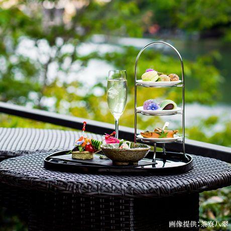「茶寮 八翠」。京都らしい彩り豊かなアフタヌーンティーセットをいただきながら季節を五感で楽しめます。 #京都 #アフタヌーンティー #八翠