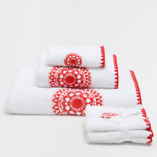 Image of the product COTTON TOWELS WITH EMBROIDERED DETAIL