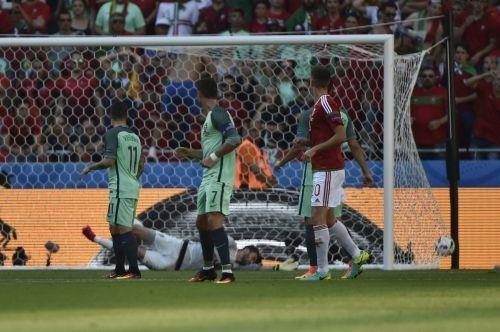 Történelmi pillanat: döntetlennel végződött a magyar-portugál mérkőzés http://ahiramiszamit.blogspot.ro/2016/06/a-magyar-labdarugo-valogatott-3-3-as.html