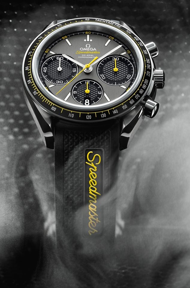 Omega-speedmaster-racing-close