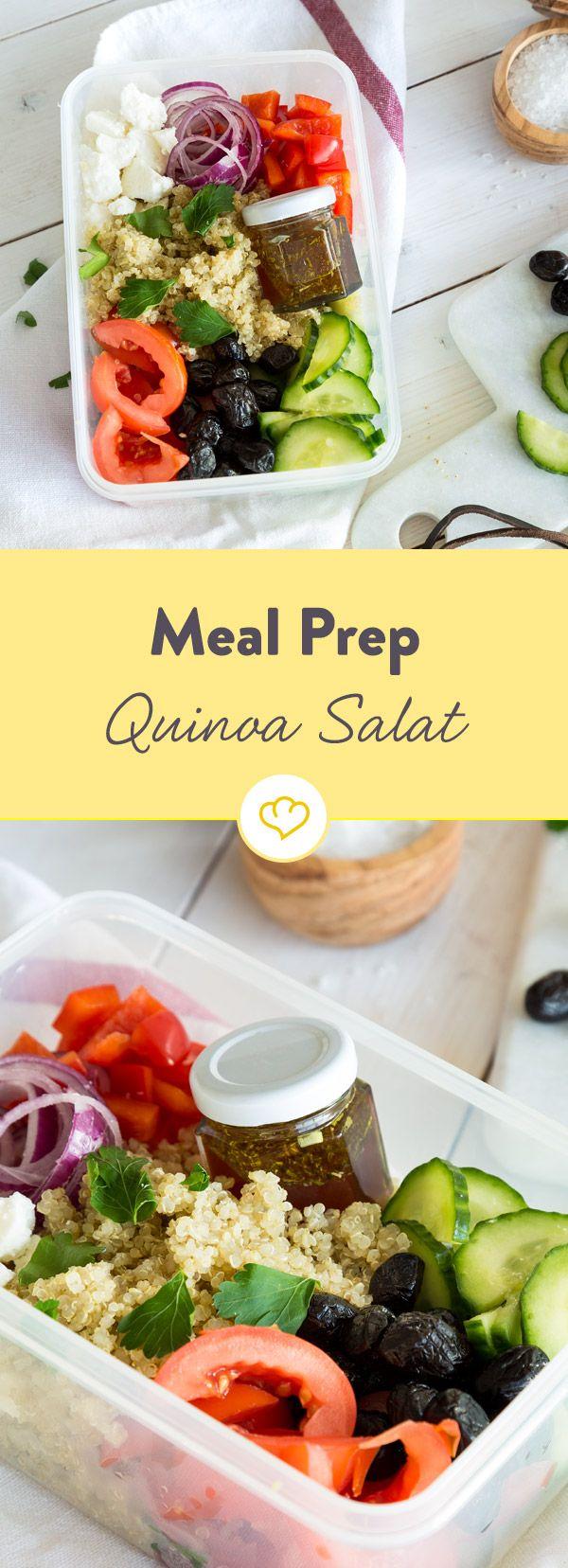 Dieser Quinoa Salat Greek Style ist perfekt für deinen Meal Prep Plan: Bereite es heute zu und genieße die ganze Woche dein vegetarisches Mittagessen,