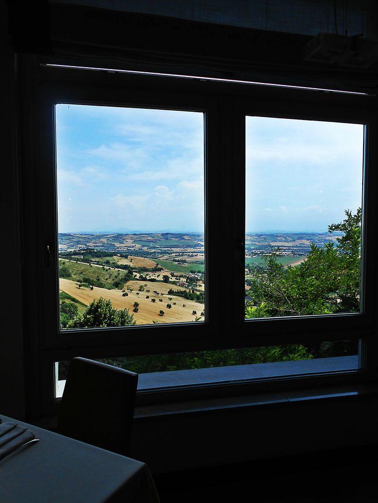 La veduta sull'Infinito che si gode dalla sala da pranzo del nostro hotel. #GalleryHotelRecanati #Recanati #Marche