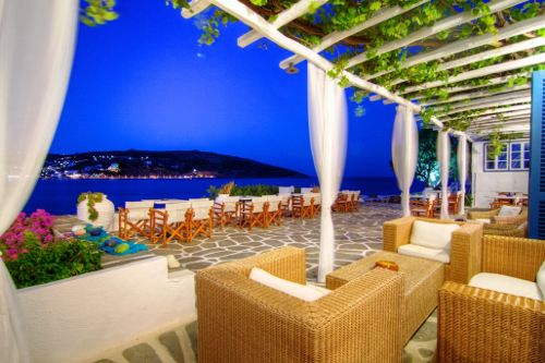 Night out in Sifnos