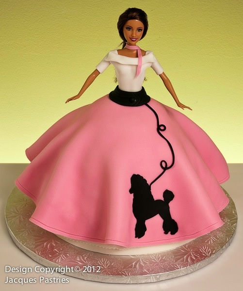 Poodle Skirt Barbie Cake - k this is awesome!