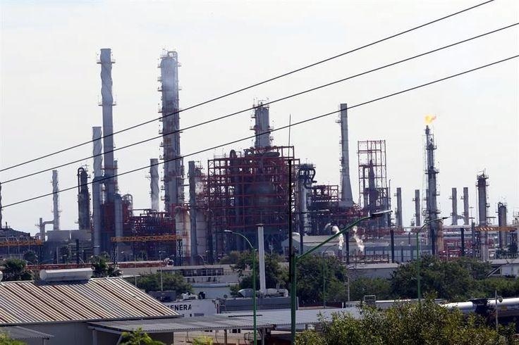 Reactiva Pemex plantas en refinería - Tabasco HOY