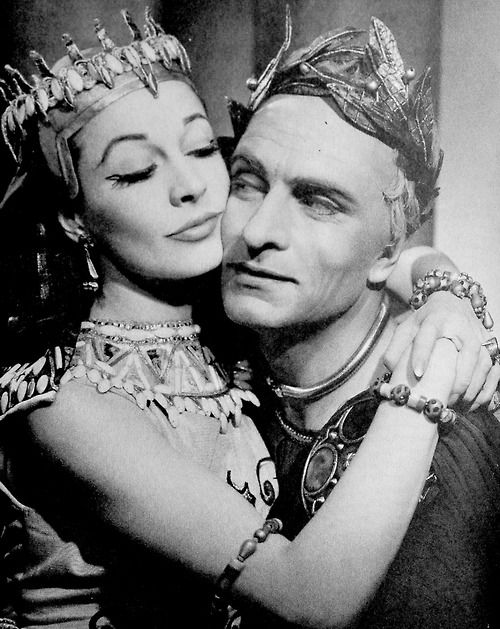 """Laurence Olivier and Vivien Leigh, circa 1951, as husband and wife starring in """"Caesar & Cleopatra,"""" a theatrical play."""