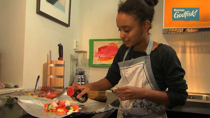 Mira (12) lager Havets skattkiste, en rask middag der store og små kan lage sin egen variant. #fisk #oppskrift