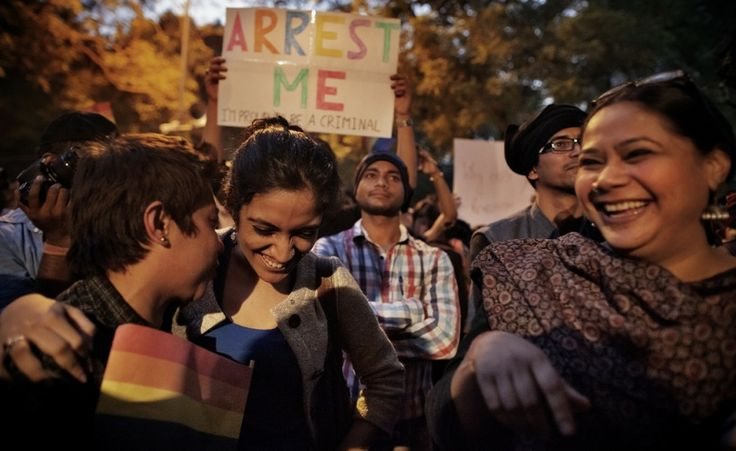 Protesta per i diritti dei gay. L'11 dicembre la Corte suprema indiana ha dichiarato illegali le unioni omosessuali. Le foto della protesta a Nuova Delhi. (Andrea de Franciscis)