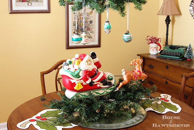 17 Best Ideas About Christmas Dining Rooms On Pinterest: Best 25+ Christmas Dining Rooms Ideas On Pinterest