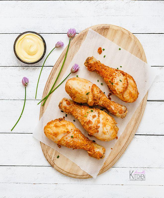 Pollo fritto con salsa aioli per il Fried Chicken day e per passare un rilassante venerdì sera con qualche amico e del cibo stuzzicante