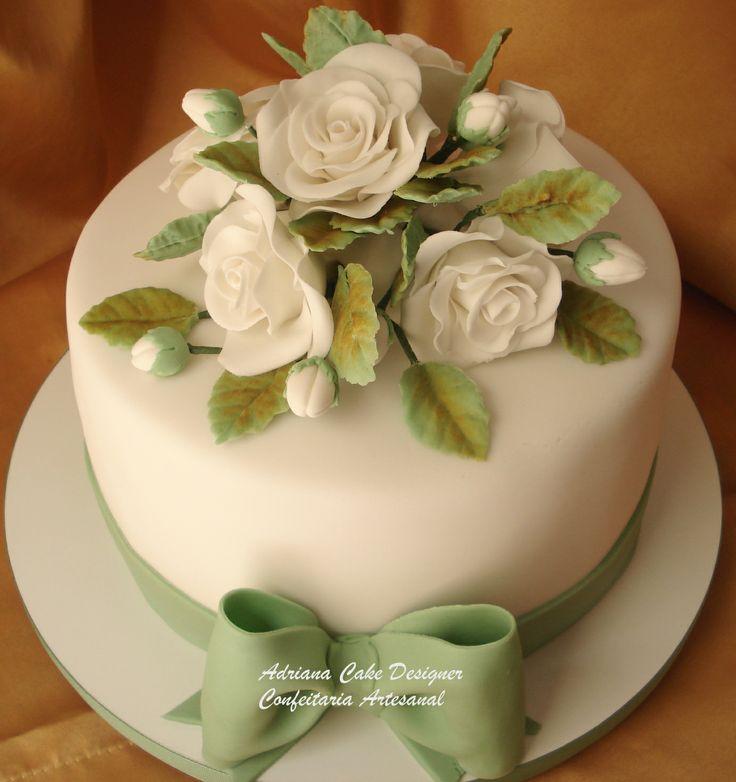 bolo de casamento com laço verde