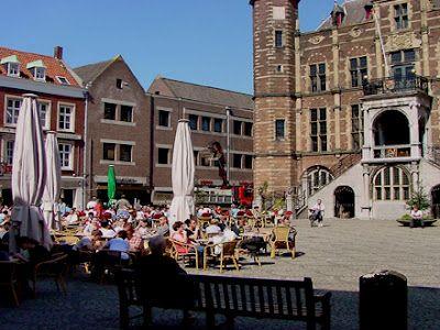 De Markt is een plein in de middeleeuwse binnenstad van Venlo.