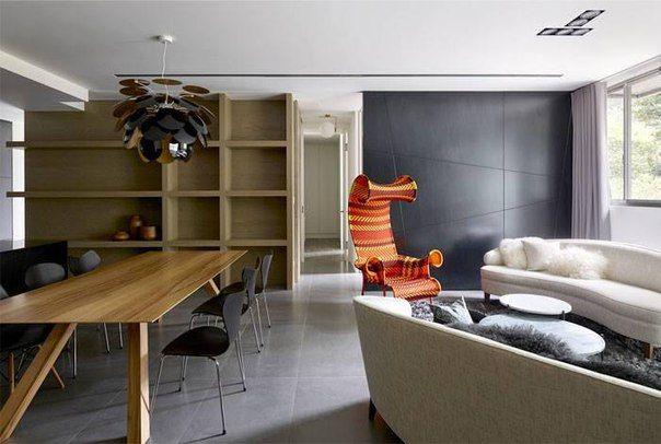 Темные глубокие оттенки в интерьере - смелый выбор, который могут себе позволить владельцы квартир-студий. Ведь такие цвета подходят просторным, наполненным светом помещениям. Дизайн-секрет такого декоративного решения - яркие детали, например, оранжевое кресло.  Квартиры-студии в ЖК Науковый ждут, в какой оттенок вы задекорируйте их пространство!